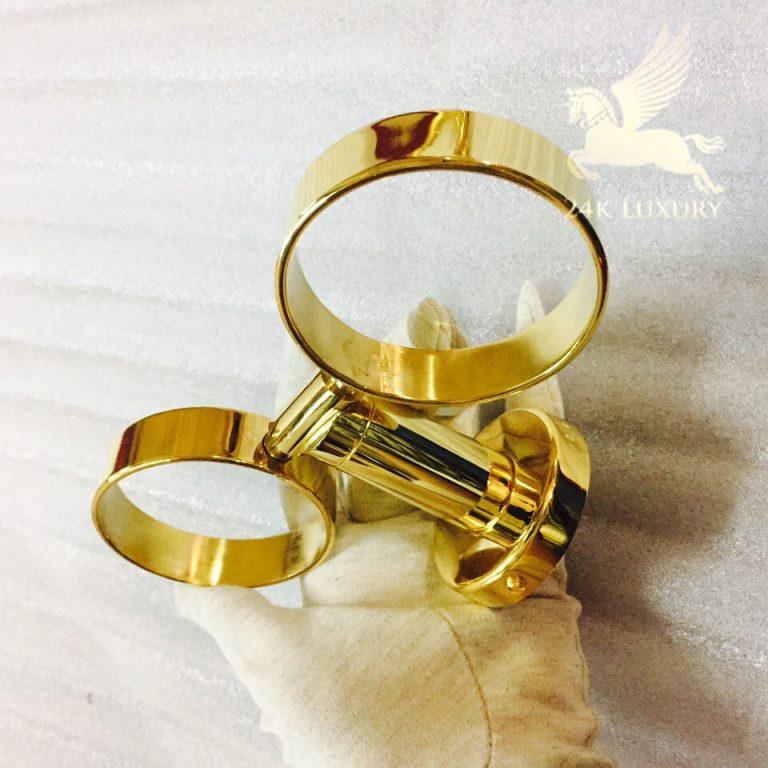 Kệ cốc đôi mặt mạ vàng là mộ phụ kiện quan trọng trong bộ thiết bị phòng tắm mạ vàng tại Vina Gold Art