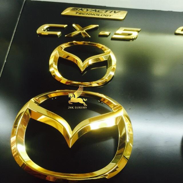 Logo ô tô Mazda mạ vàng 24k