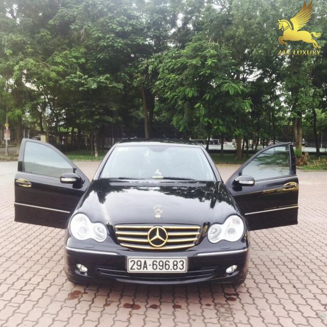 Xe ô tô mạ vàng 24k