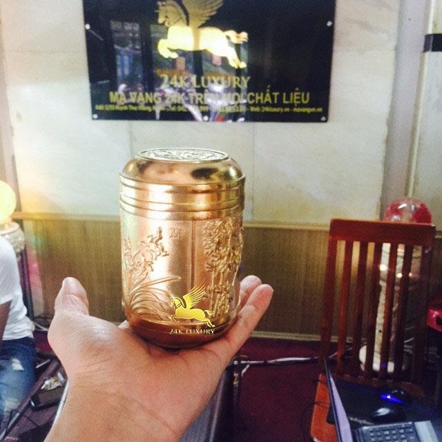 Bình trà mạ vàng