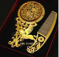 Gương mạ vàng là sản phẩm quà tặng cao cấp của Vina Gold Art