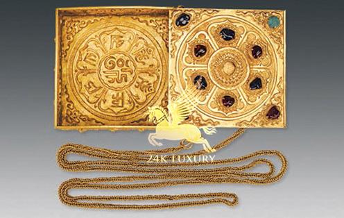 Hộp nữ trang mạ vàng sang trọng