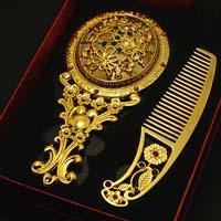 Gương lược mạ vàng- món quà tặng độc đáo giá trị