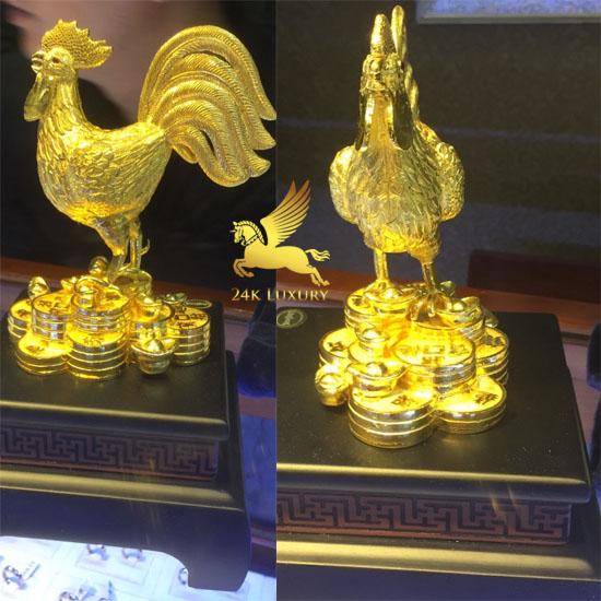 Tượng gà đúc vàng nguyên khối  tại Vina Gold Art