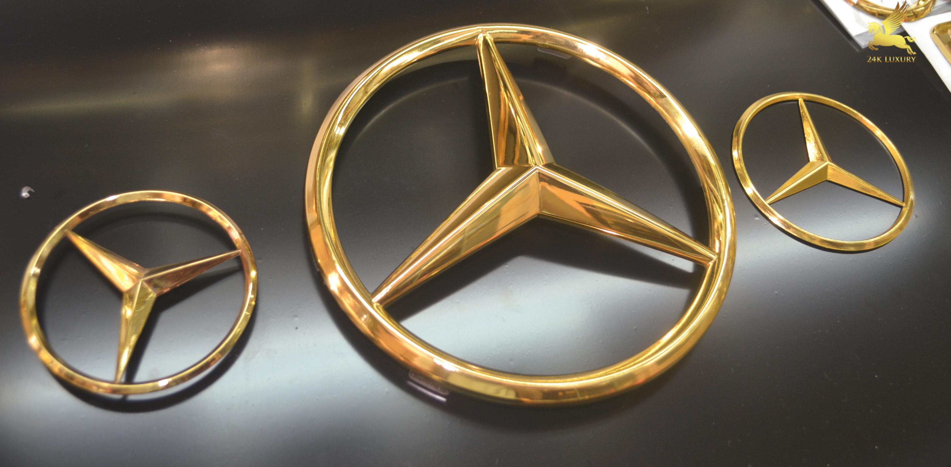Logo Mercedes mạ vàng 24k