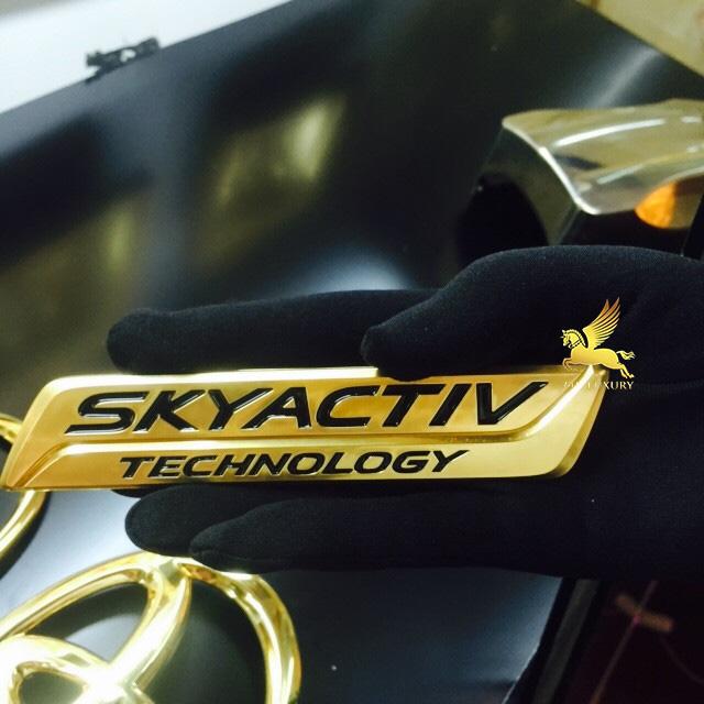 Bộ chữ Skyactiv mạ vàng tại Vina Gold Art